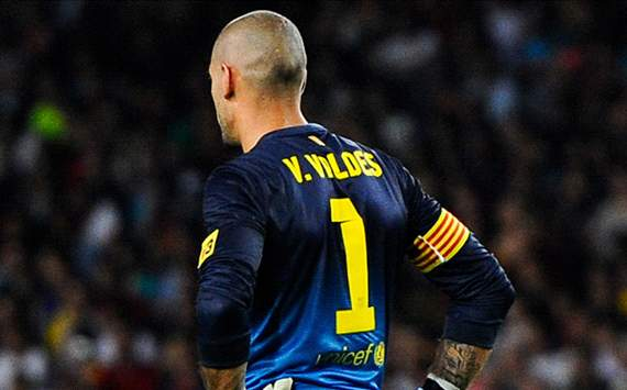 Valdes the villain in Barcelona's bad week