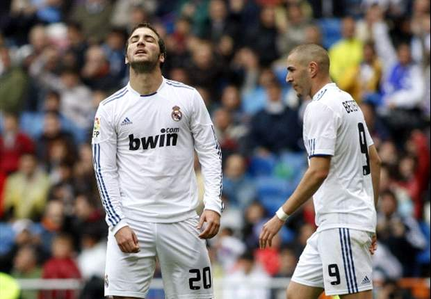Real Madrid face Benzema & Higuain striker crisis ahead of Manchester United game