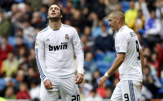 Real Madrid face Benzema &amp; Higuain striker crisis ahead of Manchester United game