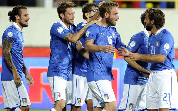 Italy celebrating vs Armenia