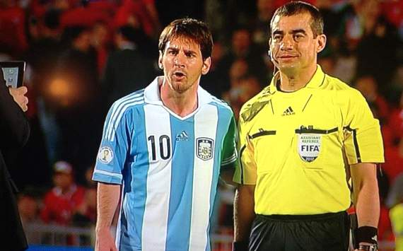 Messi - assistant referee