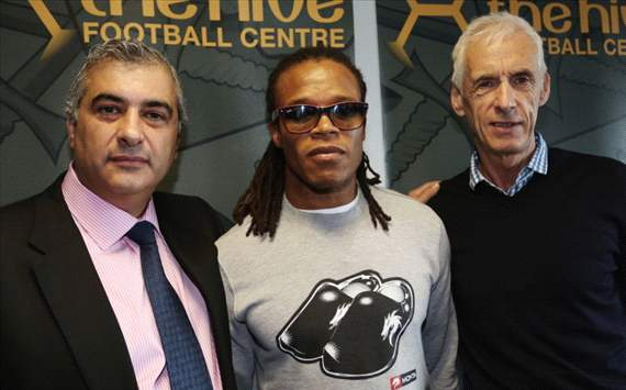 Edgar Davids inspires Barnet rout as manager &amp; captain