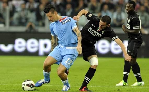 Leonardo Bonucci against Marek Hamsik - Juventus-Napoli