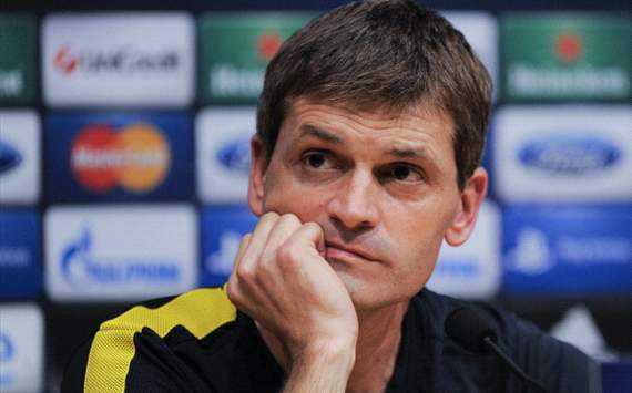 Vilanova salutes Xavi and Casillas