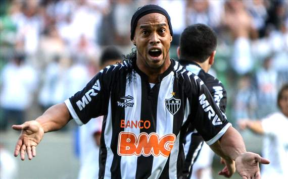Ronaldinho wants to play at next World Cup