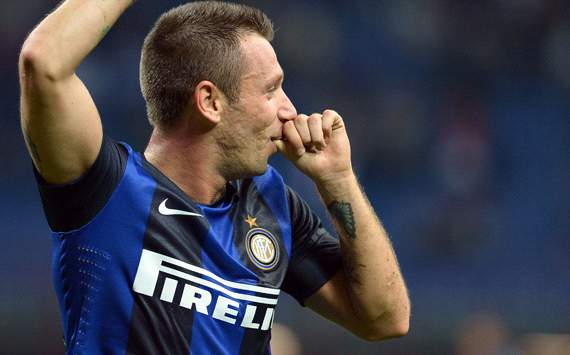Cassano launches half-time rant at referee Tagliavento