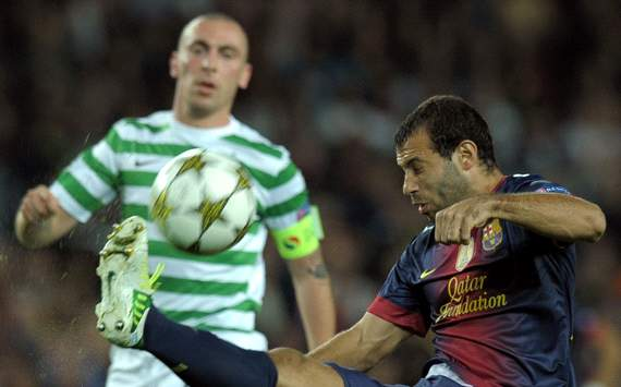UEFA Champions League : Javier Mascherano (R) vies with Celtic's Greek striker Georgios Samaras, FC Barcelona vs Celtic CF
