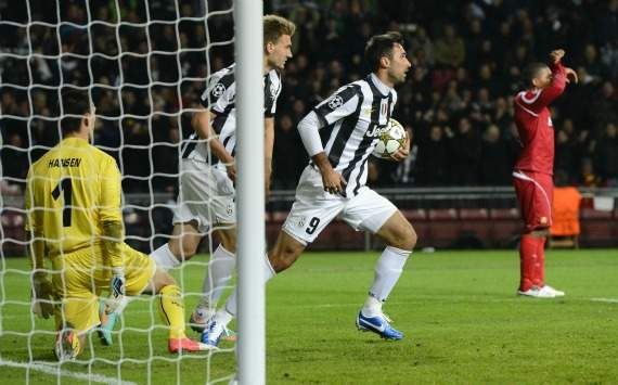 Vucinic in goal in Nordsjaelland-Juventus (Champions League)