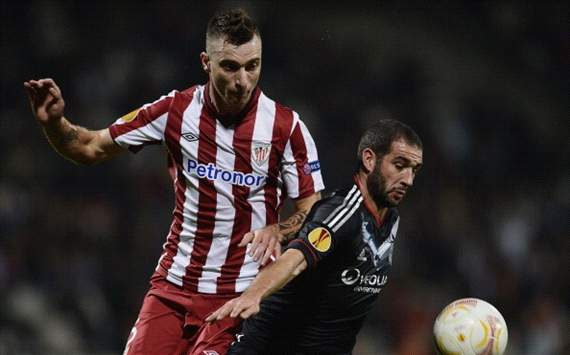 Amorebieta, en un partido de la Europa League con el Athletic de Bilbao