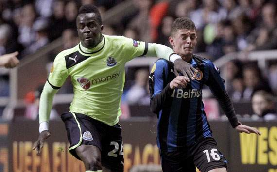 Europa League - NEWCASTLE-BRUGGE, Cheick Tiote and Maxime Lestienne