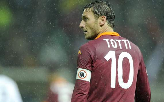 Francesco Totti Absen Lawan Lazio?