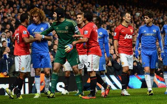 Cech hails Luiz's effortless transition from defence to midfield