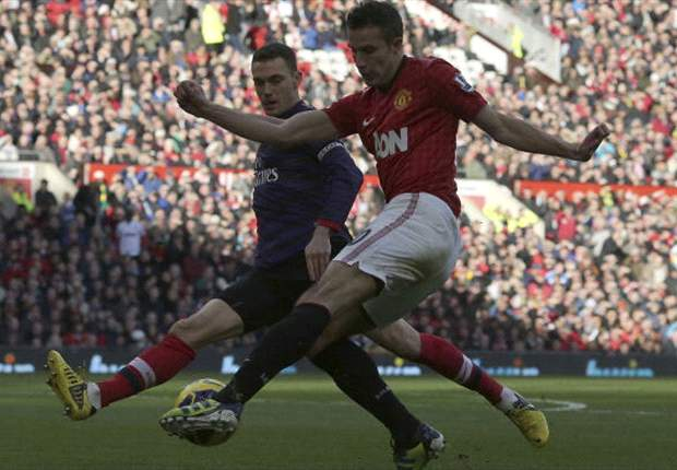 Premier League Team of the Week: Van Persie one of four Manchester United players to star after Arsenal victory