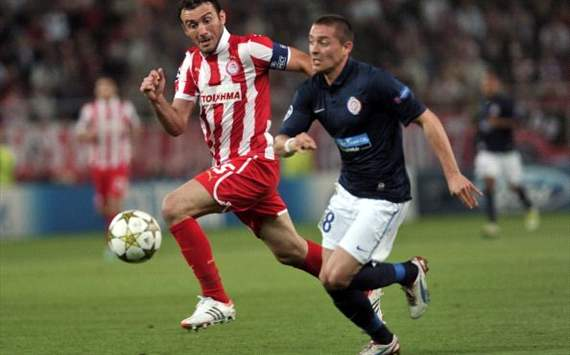 Vassilis Torosidis vs Anthony Mounier - Olympiakos vs Montpellier - Champions League