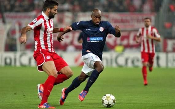 Dimitris Siovas vs Souleymane Camara - Olympiakos vs Montpellier - Champions League
