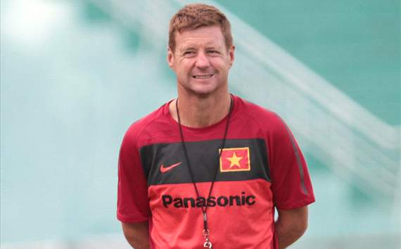 Dylan Kerr: Cc cu th Vit Nam cn n lc ht sc cho AFF Cup