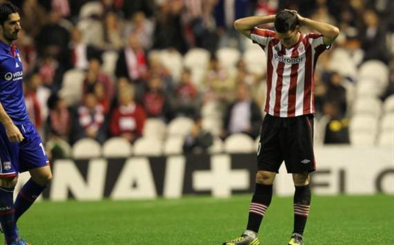 Llorente's problems are affecting everyone at the club, says Aduriz