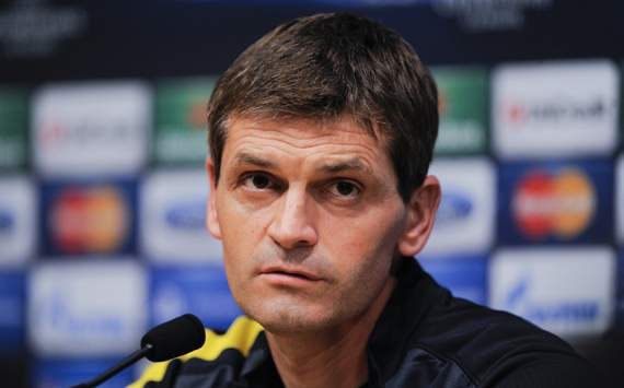 Real Madrid offer Vilanova support