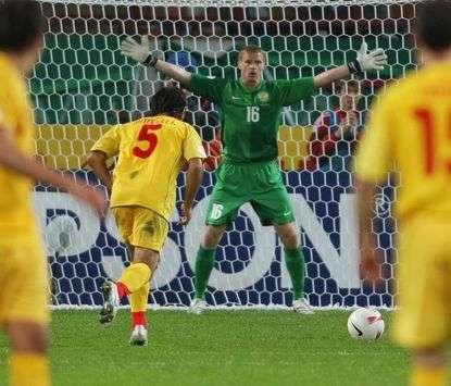 Euro 2008 Qualifier: Russia-Macedonia 3-0: Mitreski vs Malafeev (Sport-Express)