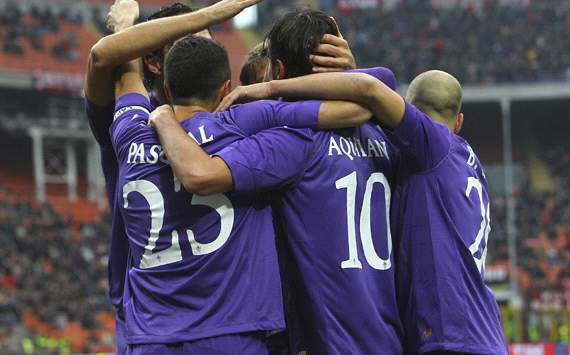 Fiorentina celebrating vs Milan