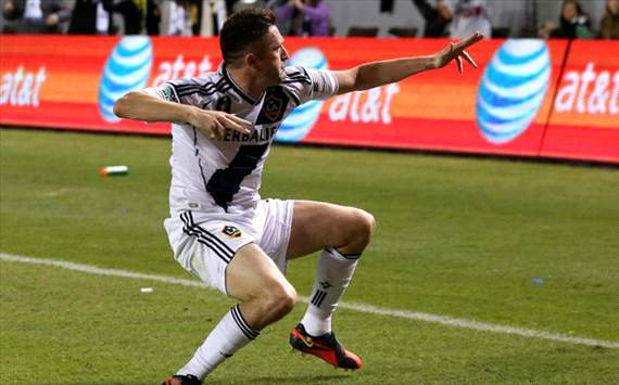 Robbie Keane scores penalty as LA Galaxy progress to MLS Cup