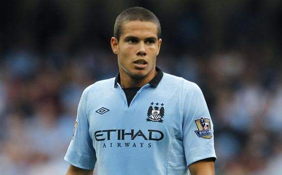 TEAM NEWS: Rodwell starts for Manchester City's clash with Chelsea