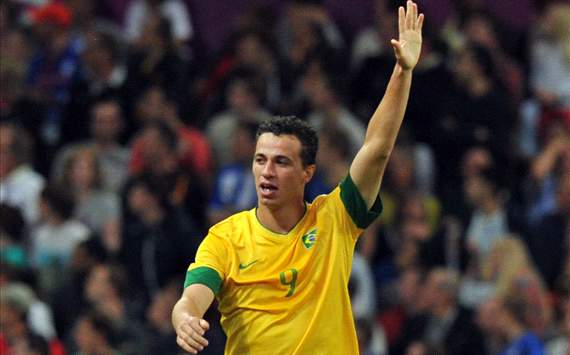 Tottenham to make official 18m bid for Leandro Damiao