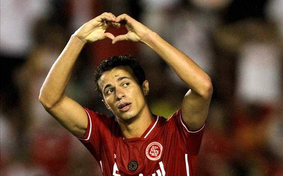 Tottenham unlikely to sign Damiao, admits Villas-Boas