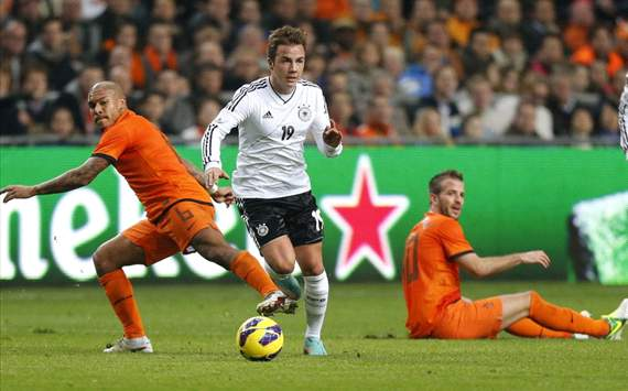 Mario Götze, Nigel de Jong and Rafael Van der Vaart (Netherlands - Germany)