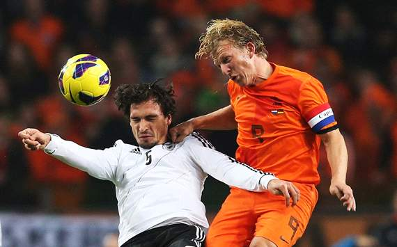 Sneijder is undisputed Netherlands captain, says Kuyt