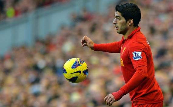 Manchester City speculation only fuels Suarez as Liverpool star continues scoring run