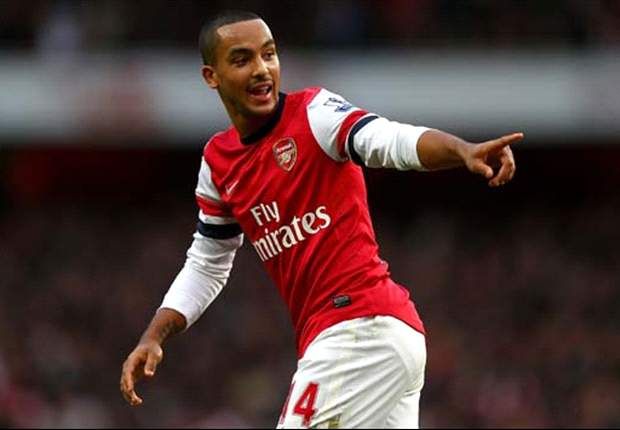 Walcott and Sagna left out of 2013 Arsenal calendar