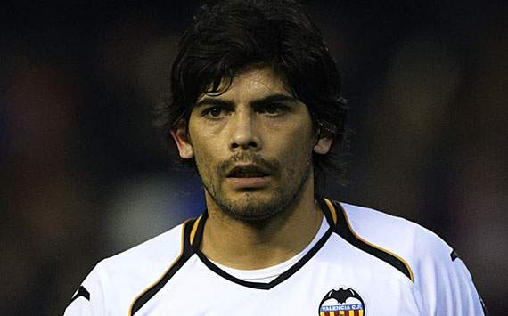 Real Madrid intimidate referees, says Valencia's Banega