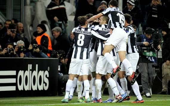 Juventus celebrating vs Chelsea