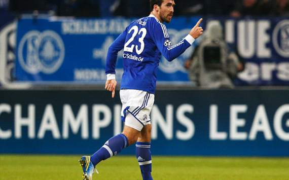 FC Schalke 04 v Olympiacos FC - UEFA Champions League, Christian Fuchs