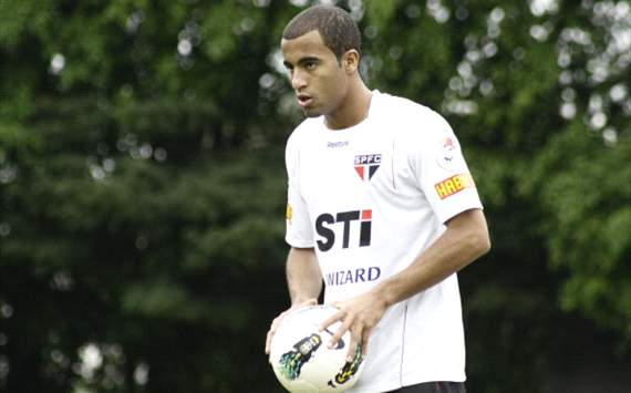 Lucas Moura Ucapkan Salam Perpisahan Ke Fans Sao Paulo
