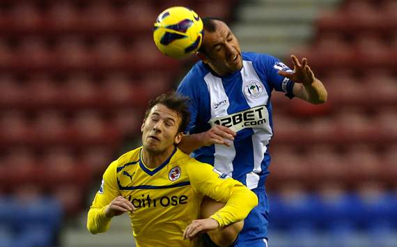 EPL - Wigan Athletic vs Reading,  Ivan Ramis vs Adam Le Fondre
