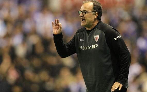 Llorente must cope better with jeers, says Bielsa