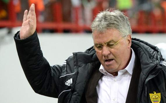 Anzhi boss Hiddink refuses to rule out Chelsea return