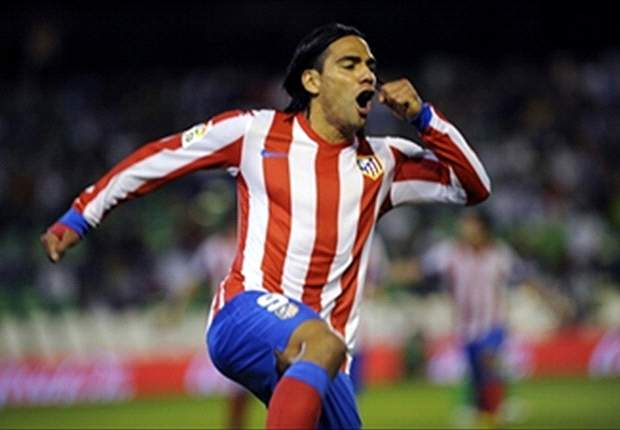 Chelsea &amp; Manchester City to go head-to-head in pursuit of Falcao &amp; Cavani