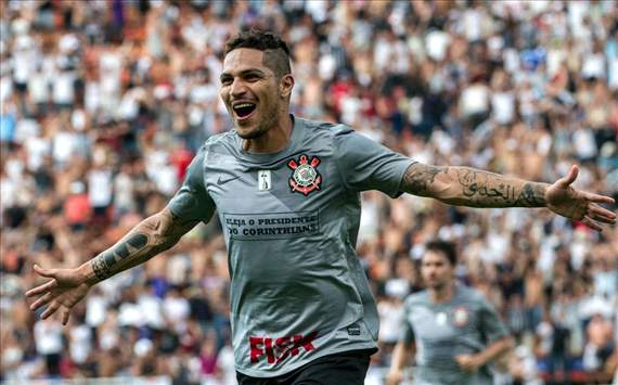 Paolo Guerrero seguir en Corinthians