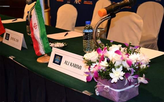 صندلی علی کریمی در کنفرانس مطبوعاتی مردسال آسیا