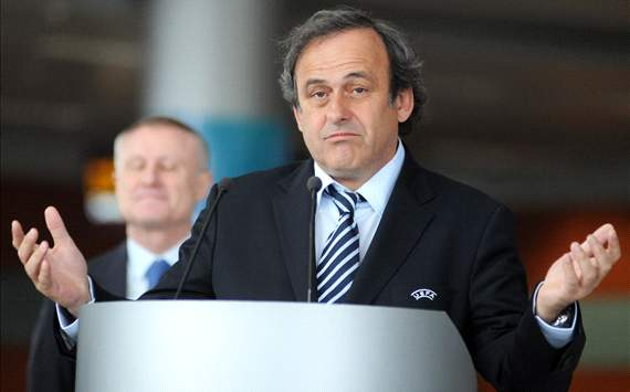 Europe - Platini : &quot;La technologie est trop chre&quot;