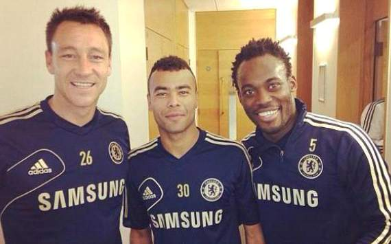 Michael Essien se recupera de su lesin... con el Chelsea!