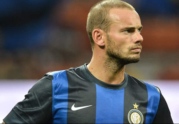 Sneijder accepts Galatasaray terms
