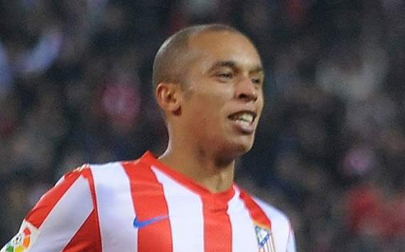 Miranda signs new deal with Atletico Madrid