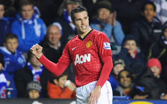 Van Persie full of praise for Manchester United strike partners Chicharito and Welbeck