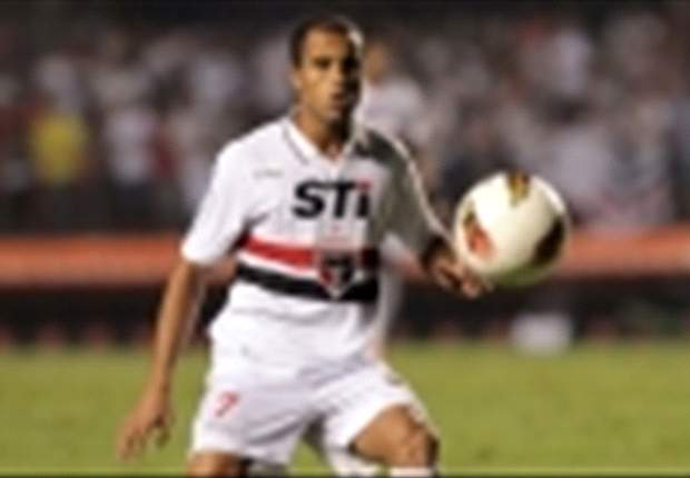 Lucas Moura eyes parting gift for Sao Paulo
