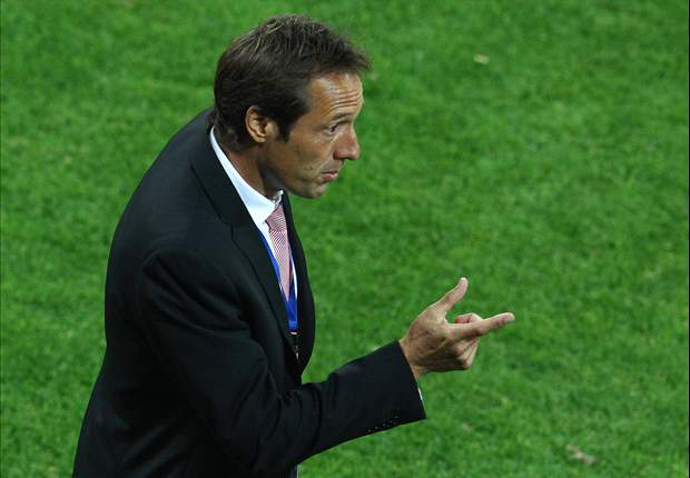 John Van't Schip set to follow Johan Cruyff out of Chivas