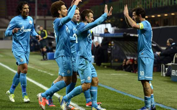 Zenit celebrating vs Milan